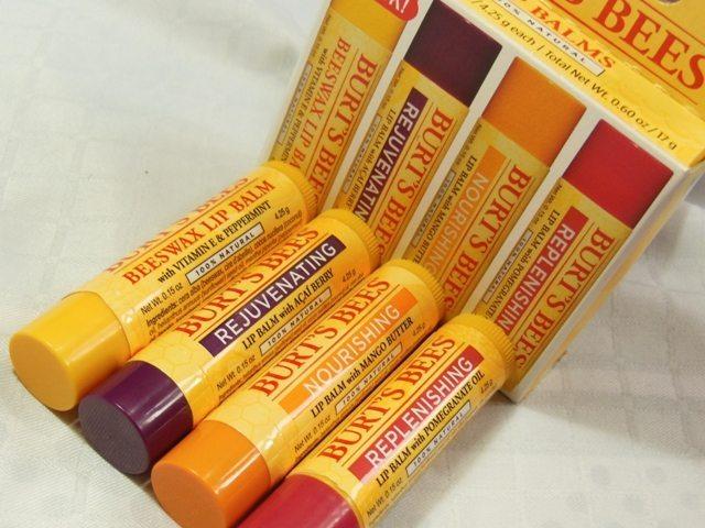 son dưỡng môi tốt  Burt's Bee's Beeswax Lip Balm