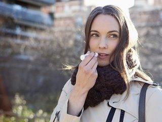 Top 10 thỏi son dưỡng môi là 'vị cứu tinh' cho các cô nàng thành thị