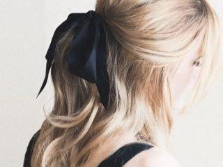 [Dự báo xu hướng tóc] Mình thích thì mình thắt vải vào tóc thôi!