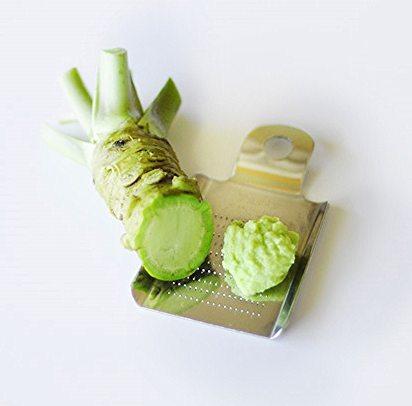 Bơm môi bằng wasabi