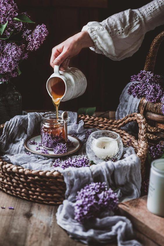 Làm tóc sáng màu hơn với trà thảo mộc