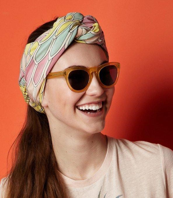 Làm mới kiểu tóc với khăn quàng cổ – tại sao không?