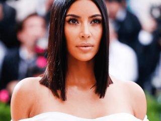 """Cô Kim siêu vòng 3 vừa """"nhá hàng"""" dòng sản phẩm làm đẹp của riêng mình"""