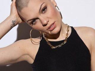 10 ngôi sao nữ khiến fan 'phát cuồng' với kiểu tóc đầu đinh không-thể-đỉnh-hơn