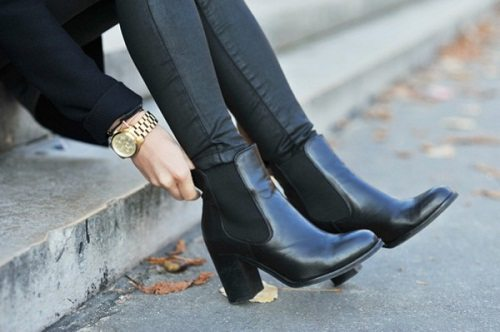 bảo vệ giày da bằng dầu xả