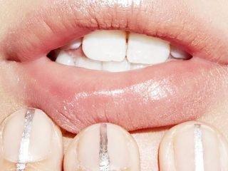 5 công thức tẩy tế bào chết cực dễ cho làn môi mềm mại, quyến rũ