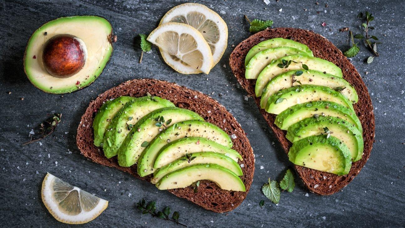 Kết quả hình ảnh cho bánh mì với avocado