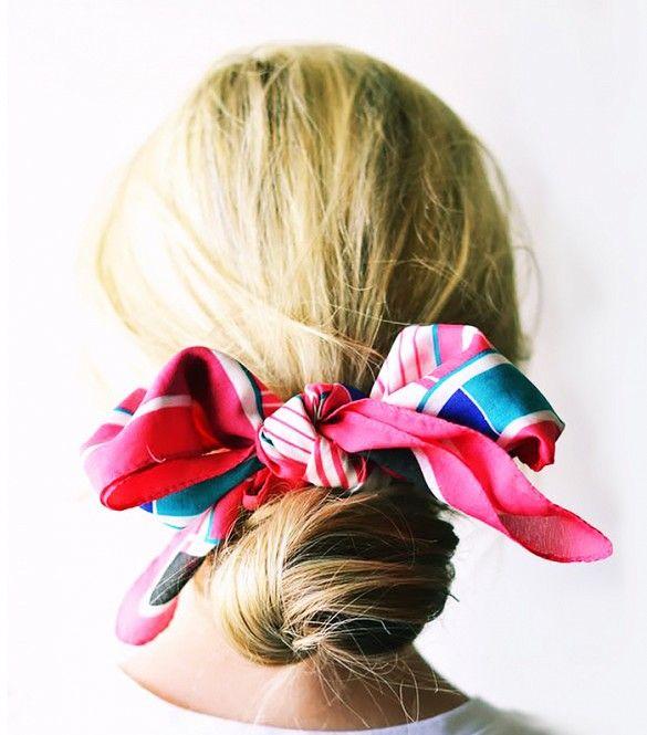 Búi tóc bằng chiếc khăn choàng cổ