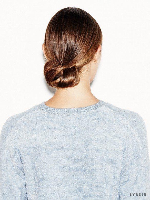 Búi lọn tóc đan quấn vào nhau