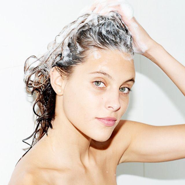 gội đầu trước khi ủ tóc