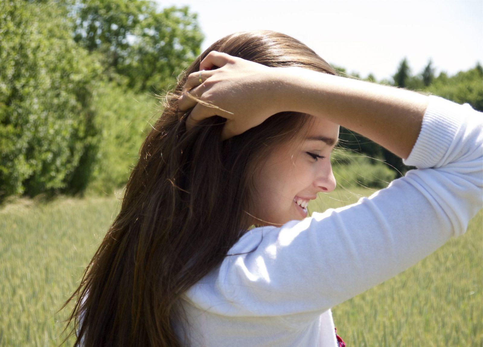 cách trị mụn da đầu hiệu quả