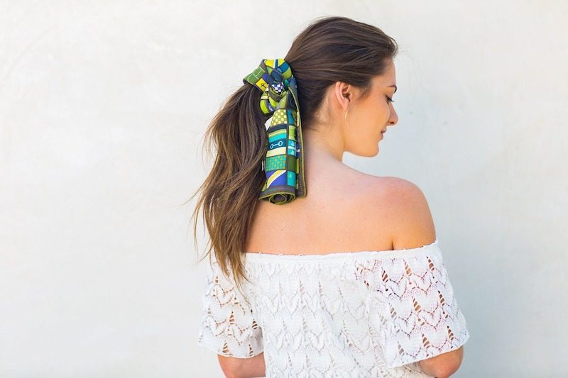 cách tạo kiểu tóc bằng khăn quàng cổ