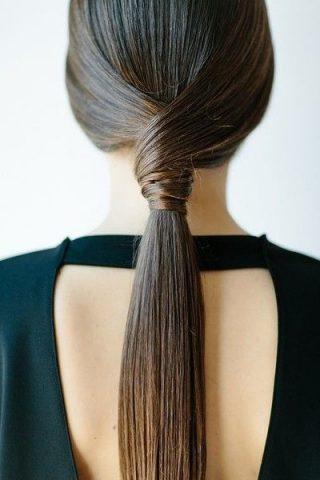 """""""Biến hoá"""" cho tóc đuôi ngựa với 10 kiểu cool ngầu sau"""