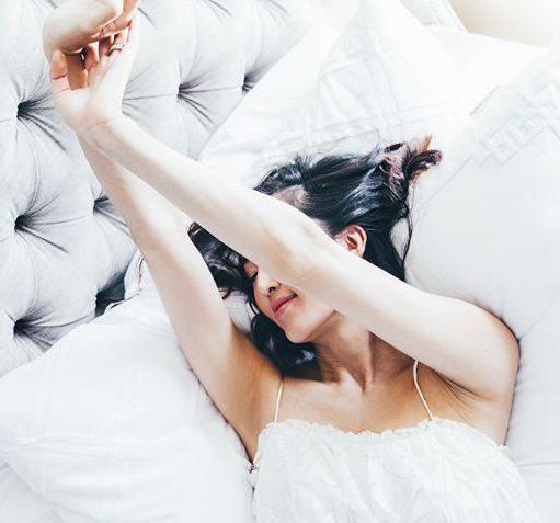 10 bước dưỡng da ban đêm tưởng không dễ mà dễ không tưởng