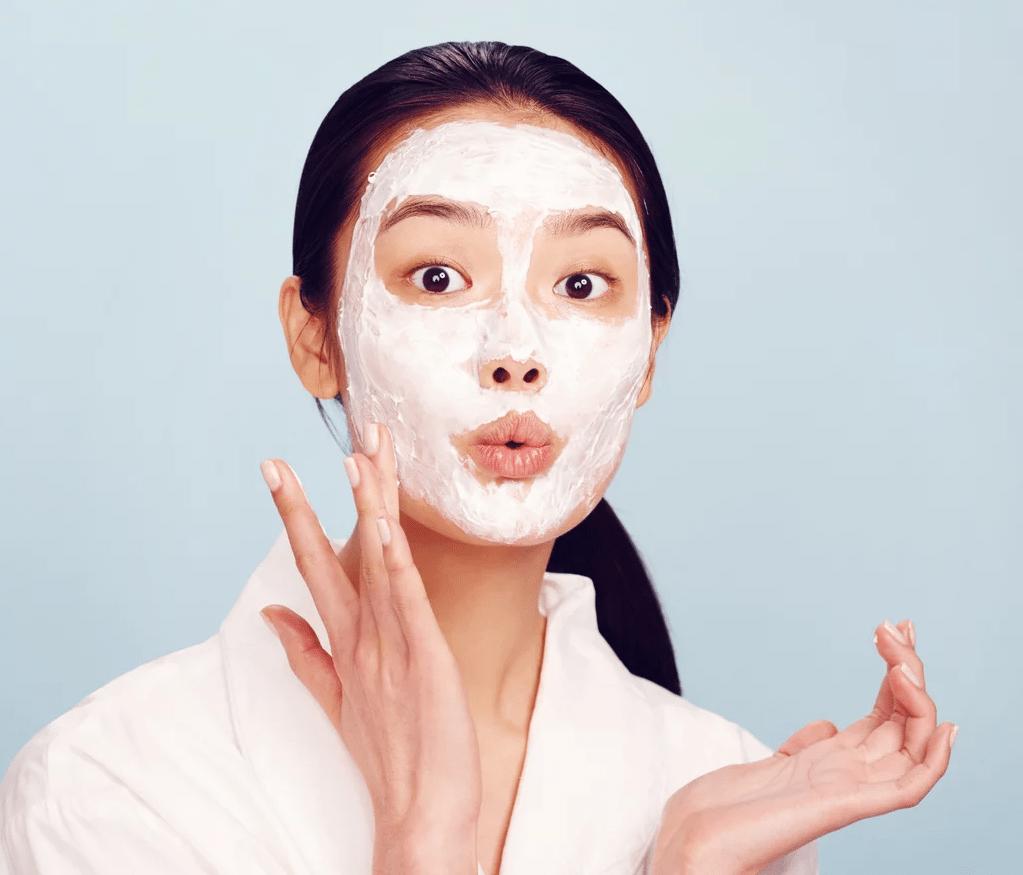 Mặt nạ trắng da giúp hồi phục cho làn da bị cháy nắng