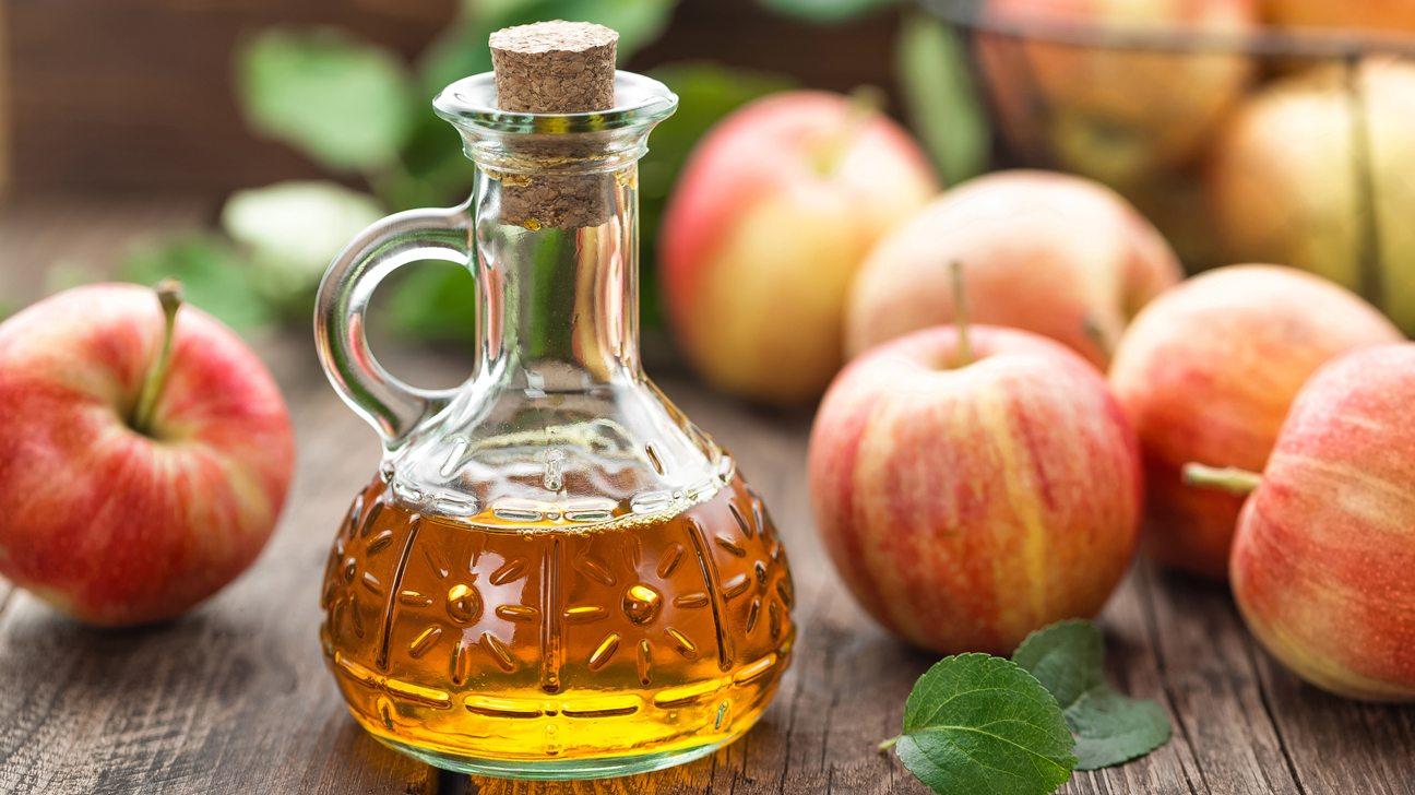 Giấm táo trị mụn lưng