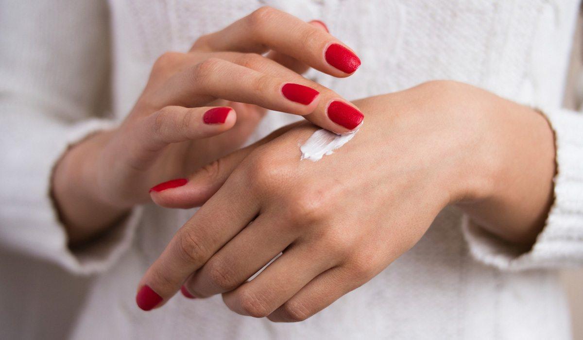 kem dưỡng da tay mỗi ngày