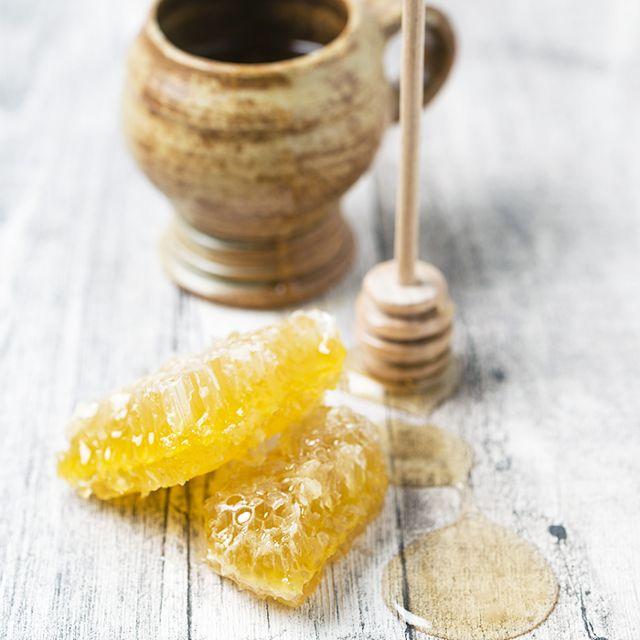 dưỡng ẩm cho da khô với mật ong
