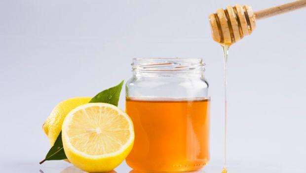 Mật ong và chanh có thể trị mụn bọc