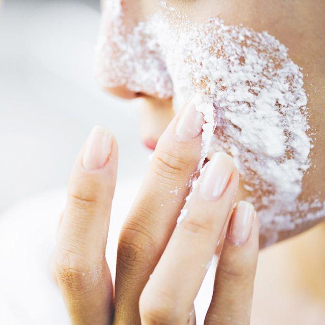 cách trị mụn cám trên mặt hiệu quả bằng bột nở