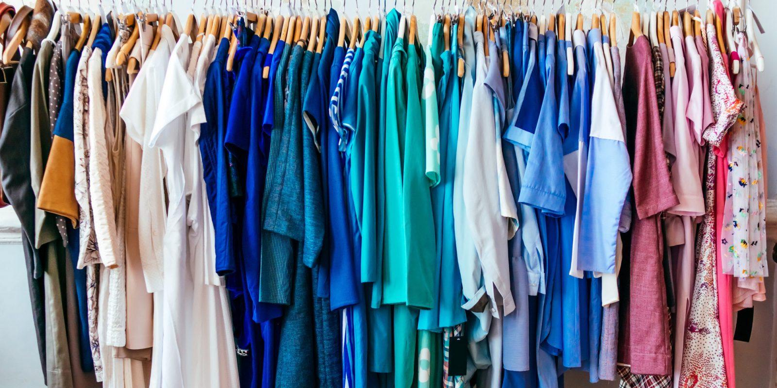 Đôi khi quần áo cũng là một trong những nguyên nhân gây mụn lưng