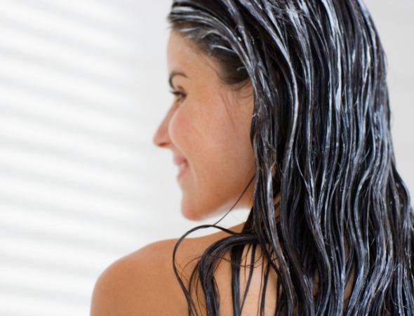 Xả tóc sau bước gội đầu dưỡng tóc