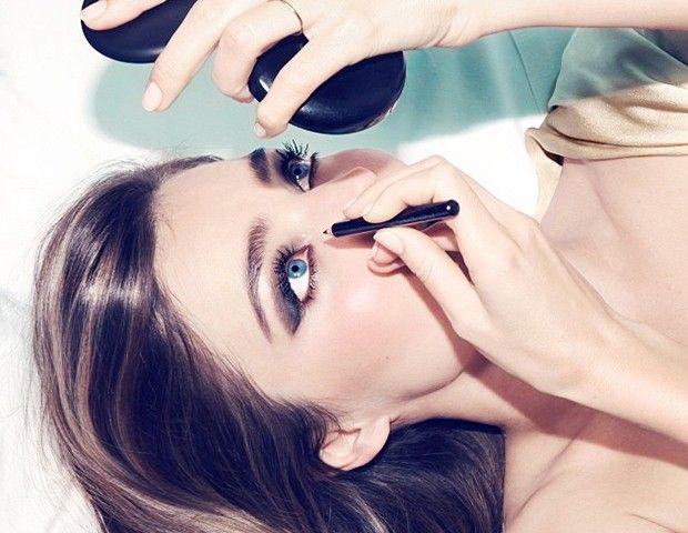 eyesliner và mascara trong bộ KIT