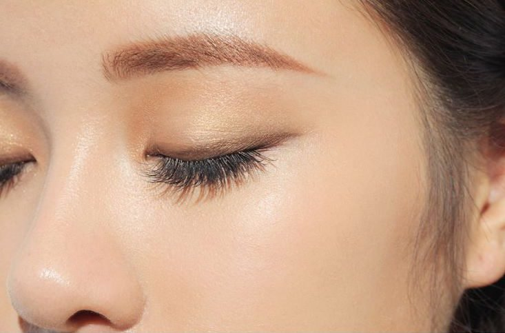 Cách trang điểm mắt nhẹ nhàng, đẹp lại cực đơn giản!