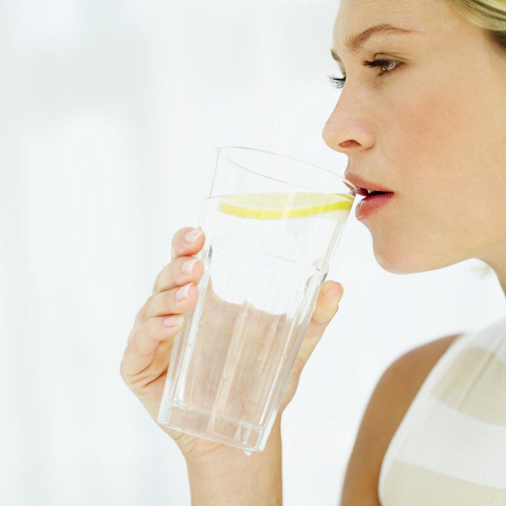 uống nước nhiều khi giảm cân