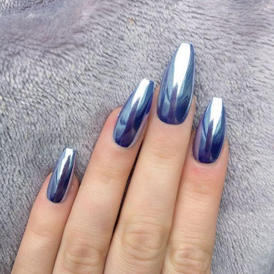 màu móng tay xanh đẹp
