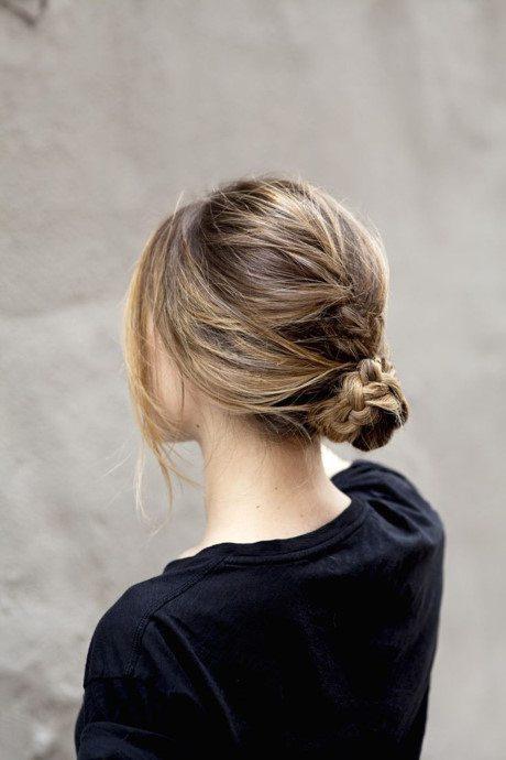 kiểu búi cho tóc ngắn kết hợp bím tóc đuôi sam