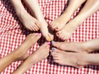 """5 cách tẩy lông chân tại nhà bằng nguyên liệu tự nhiên """"dễ như ăn kẹo"""""""