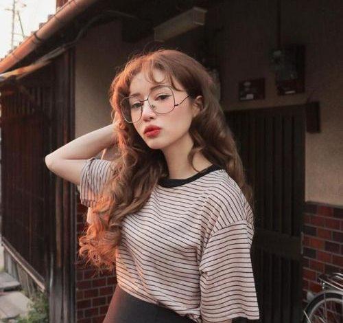 9 Kiểu tóc uốn ngang lưng dễ thương & cực HOT năm 2020