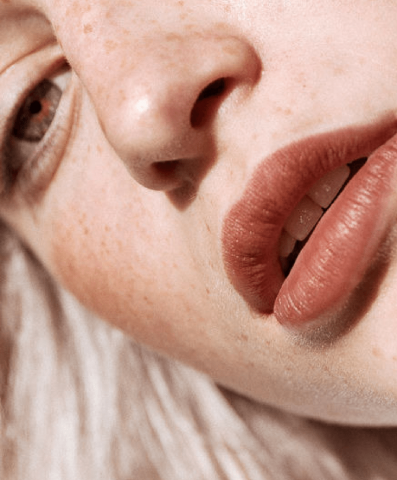 """8 mẹo trang điểm cho nàng da khô không """"ăn"""" phấn"""