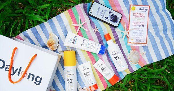 kem chống nắng là một cách chăm sóc da nhờn mụn