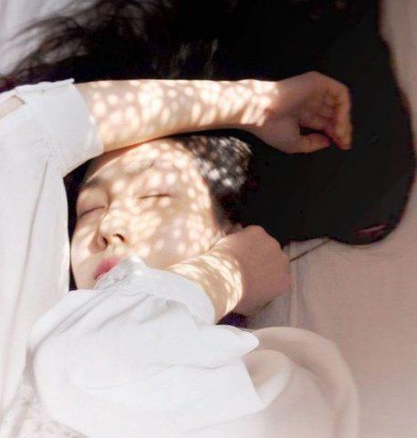 Các bước chăm sóc dưỡng da ban đêm cơ bản nhất cho da mụn