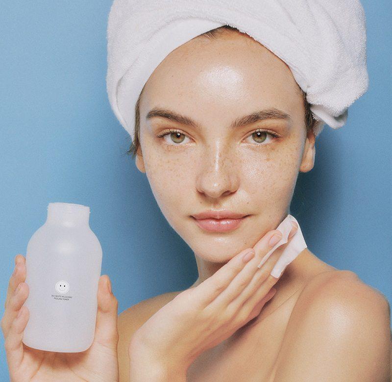 Cách chọn mỹ phẩm dành cho da nhạy cảm và kem trị mụn?