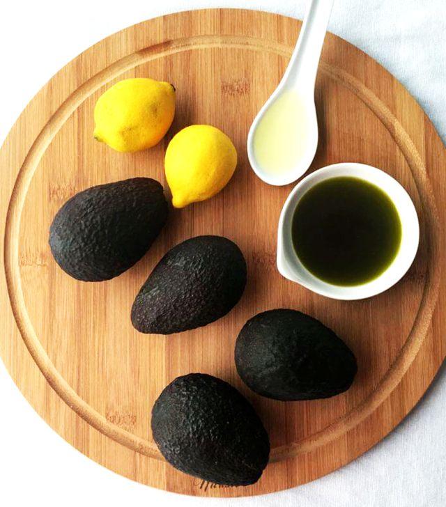 serum bơ hoặc hương thảo cho mái tóc khô xơ chẻ ngọn