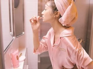 Làm sạch da không cần sữa rửa mặt, tại sao không?