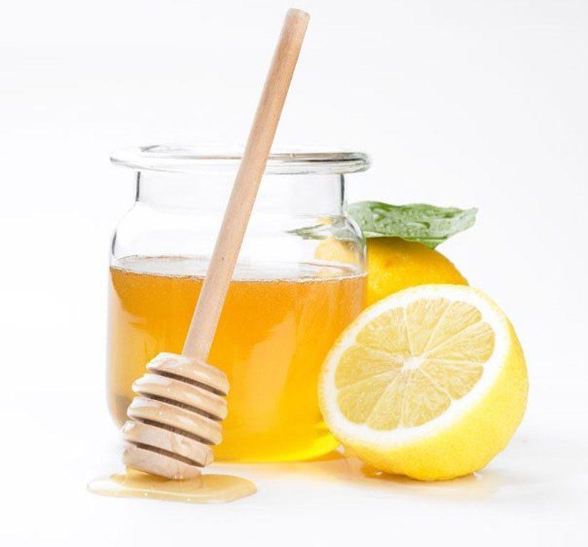 sử dụng mật ong và chanh để rửa mặt