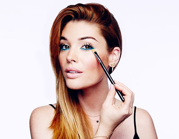 Cách vẽ mắt bằng eyeliner phấn mắt
