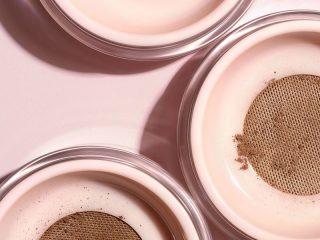 Phấn phủ nào tốt cho làn da nhờn mụn?