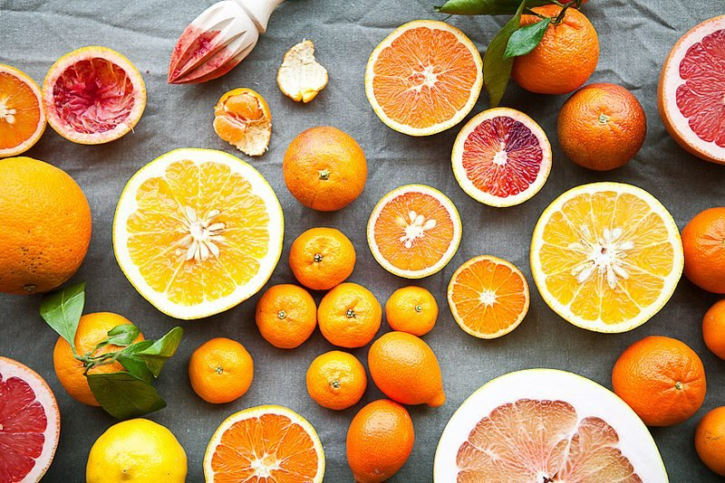 thực phẩm trẻ hóa da là cam chanh, bưởi chùm