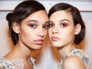"""""""Điên đảo"""" với Tuần lễ thời trang New York 2018"""
