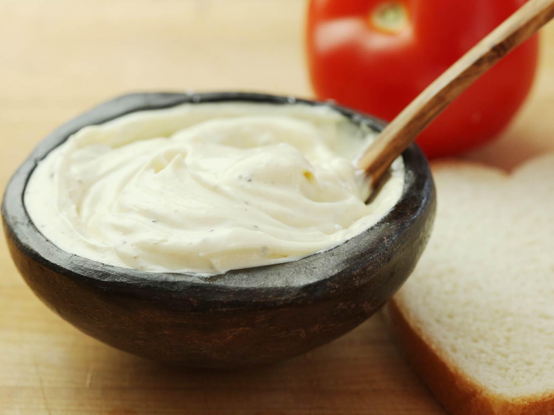 mặt nạ ủ tóc mayonnaise