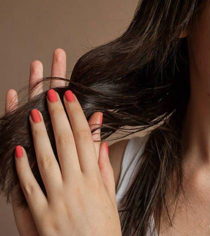 Tại sao nên dùng tinh dầu dưỡng tóc xoăn