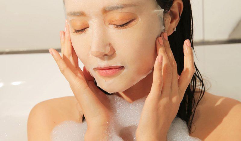Đắp mặt nạ giấy dưỡng da hiệu quả cũng là cả một nghệ thuật