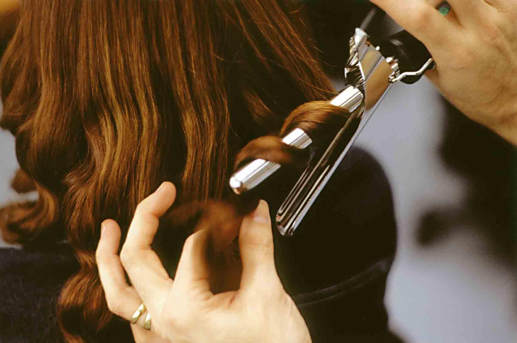 cách chữa đuôi tóc khô xơ