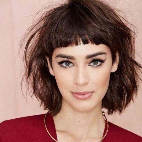 """Tránh xa 5 kiểu tóc """"í ẹ"""" sau đây khi đi dự tiệc nếu bạn không muốn bị già thêm chục tuổi"""
