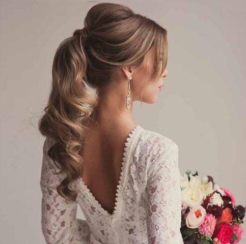 """5 Mẫu tóc cô dâu đơn giản mà lộng lẫy cho """"giờ G"""""""